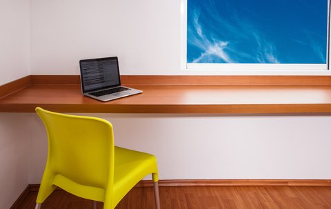 One Queretaro Aeropuerto - Working Desk