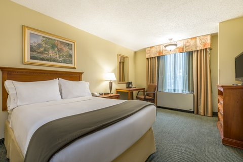 Holiday Inn Express ATLANTA AIRPORT-COLLEGE PARK - ADA Handicapped accessible Double Guest Room