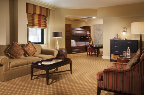 Omni Parker House Hotel - Freedom Trail Family Suite