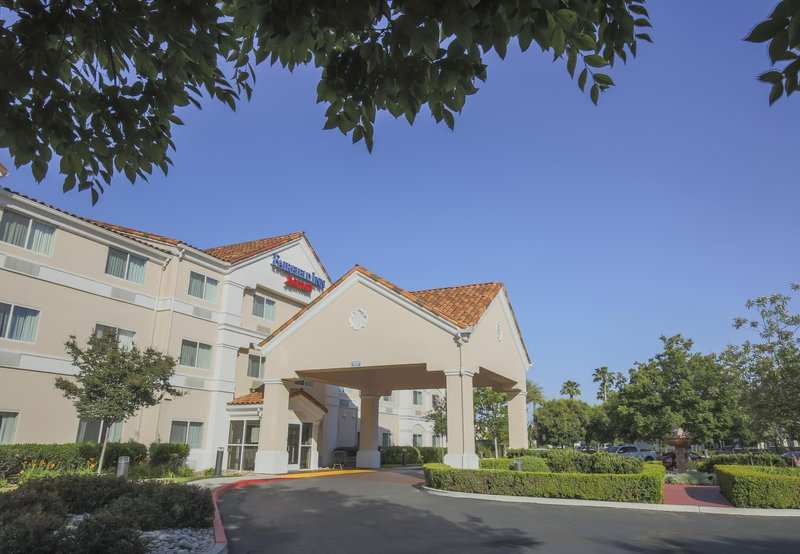 FAIRFIELD INN VISALIA MARRIOTT