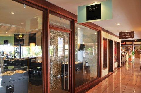Intercontinental Resort Tahiti - Robert Wan