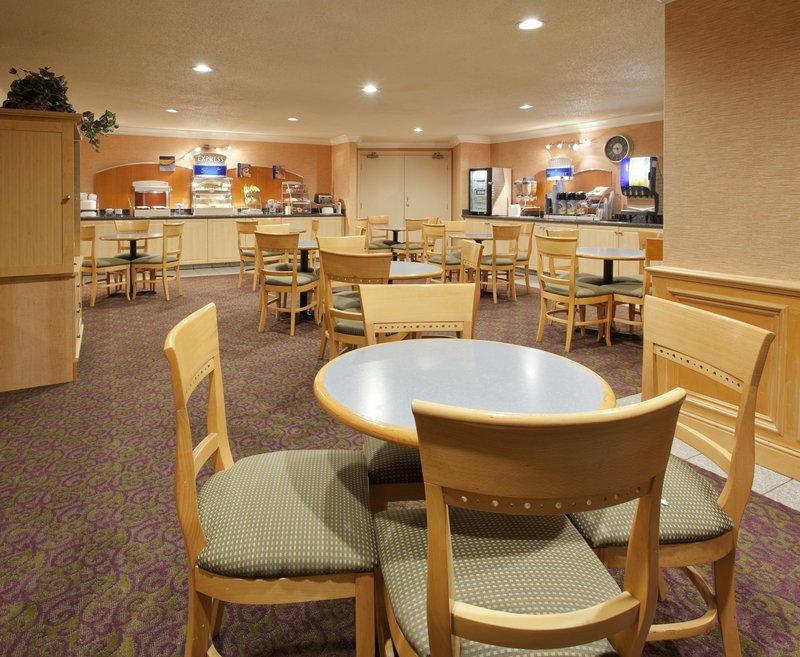 Holiday Inn Express - Union City, CA