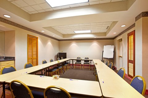 Holiday Inn Express Hotel & Suites Chicago-Midway Airport - Meeting Room near Chicago Midway Airport