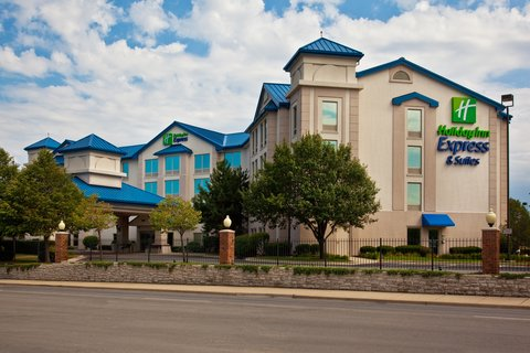 Holiday Inn Express Hotel & Suites Chicago-Midway Airport - Holiday Inn Express Chicago Midway Exterior