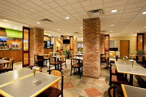 Holiday Inn Express Hotel & Suites Chicago-Midway Airport - Complimentary Hot Breakfast near Midway Airport