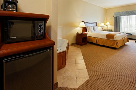 Holiday Inn Express Hotel & Suites Mansfield - Jacuzzi Suite
