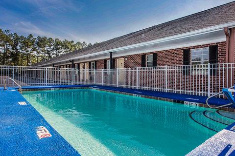 Econo Lodge Santee - Pool