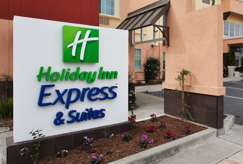 Holiday Inn Express & Suites BERKELEY - Berkeley, CA