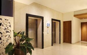 Holiday Inn Express Bali Kuta Square Elevator Lobby