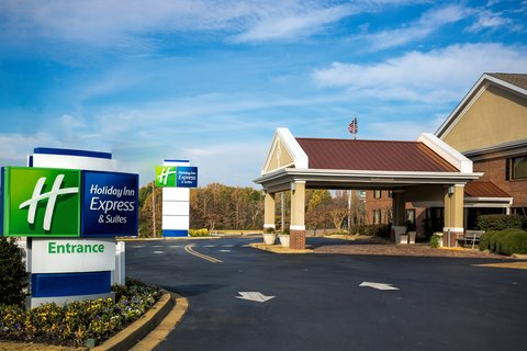 Holiday Inn Express & Suites CORINTH - Hotel Exterior