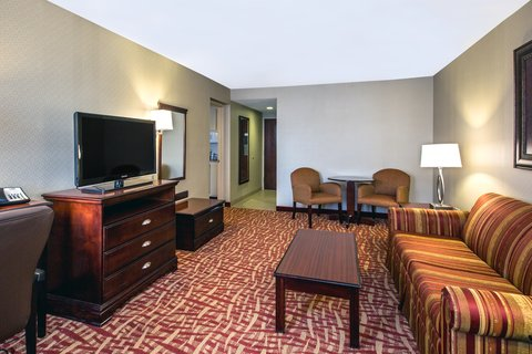 Holiday Inn Express & Suites CORINTH - Two Room King Executive Suite Living Area