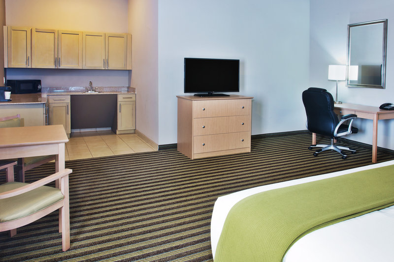 Holiday Inn Express & Suites ALVARADO - Alvarado, TX