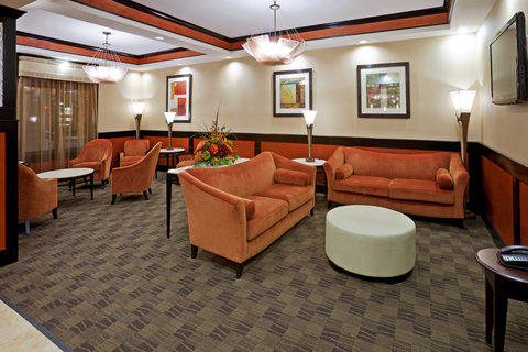 Holiday Inn Express & Suites DALLAS CENTRAL MARKET CENTER - Lobby Lounge