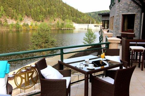 Retro Riverside Luxury Wellness Hotel - Outside