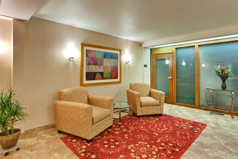Holiday Inn Express - Lompoc, CA