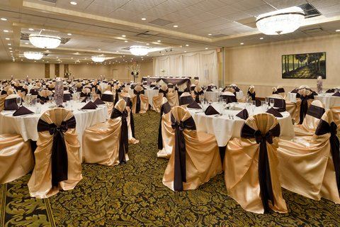 BEST WESTERN PLUS Dubuque Hotel & Conference Center - Receptions Are Our Specialty