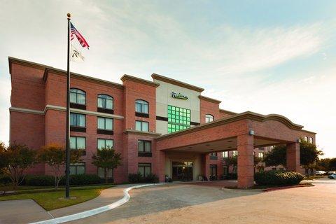 Holiday Inn DALLAS NORTH-ADDISON - Exterior