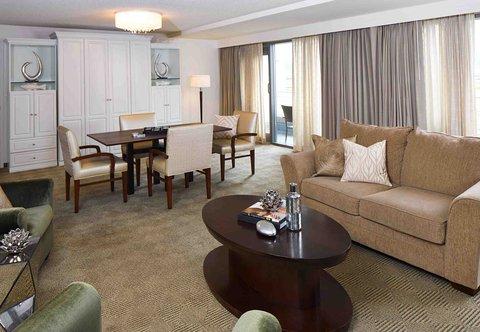 Renaissance Concourse Atlanta Airport Hotel - Hospitality Suite Living   Dining Areas
