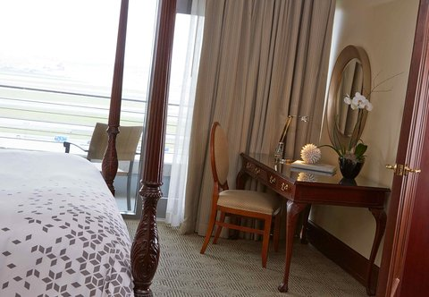 Renaissance Concourse Atlanta Airport Hotel - Presidential Suite Work Desk