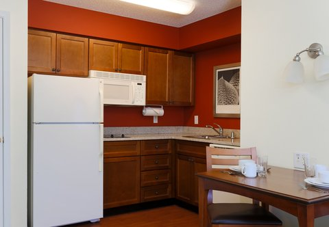 Residence Inn Fort Smith - One-Bedroom Suite Kitchen