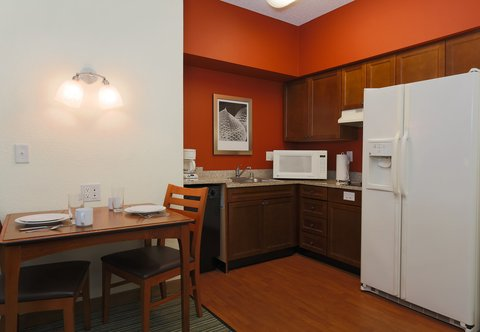Residence Inn Fort Smith - Accessible Suite Kitchen
