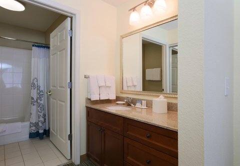 Residence Inn Fort Smith - Guest Bathroom