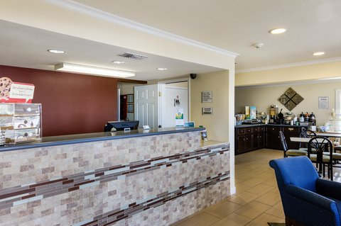 Quality Inn Abilene - Front Desk