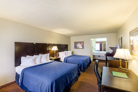 Quality Inn Abilene - Queen Room