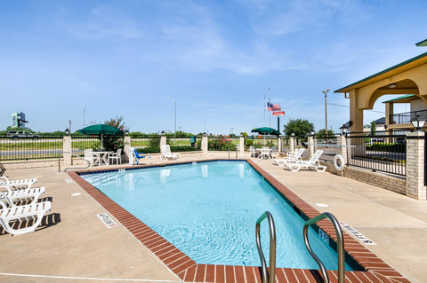 Quality Inn Abilene - Pool