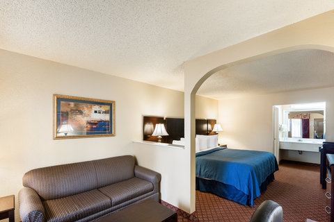 Quality Inn Abilene - King Suite