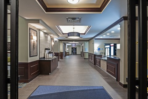 Holiday Inn Express & Suites GLENPOOL-TULSA SOUTH - Front Entrance