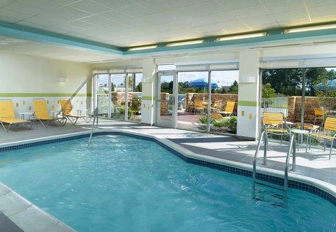 Fairfield Inn & Suites Fayetteville North - Indoor Pool