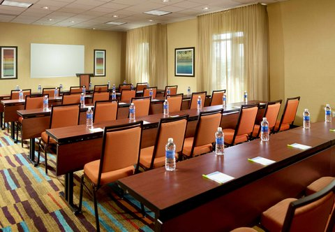 Fairfield Inn & Suites Fayetteville North - Meeting Room