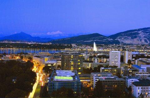 انتركوتيننتال جنيف - Enjoy the View of Geneva and its Water Fountain at night