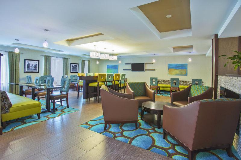 Holiday Inn Express HASTINGS - Kenesaw, NE
