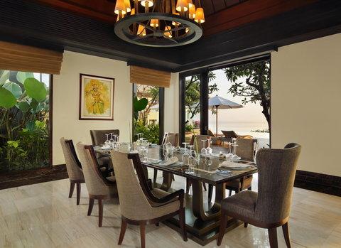 بانيان تري أونغاسان - Pres Suite Dining Area