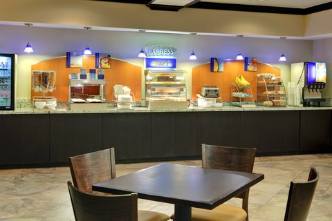 Holiday Inn Express & Suites ALBUQUERQUE AIRPORT - Breakfast Bar