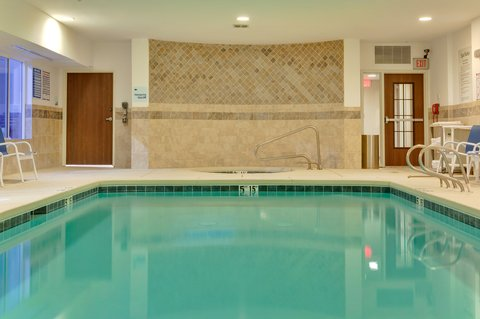 Holiday Inn Express & Suites ALBUQUERQUE AIRPORT - Swimming Pool