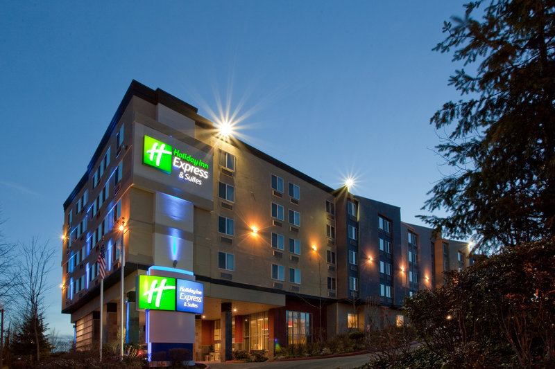 HOLIDAY INN EXP STE AIRPORT