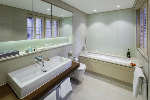 The Sloane Club Hotel - Bathroom Suite