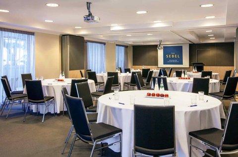 The Sebel Suites Brisbane - Meeting Room