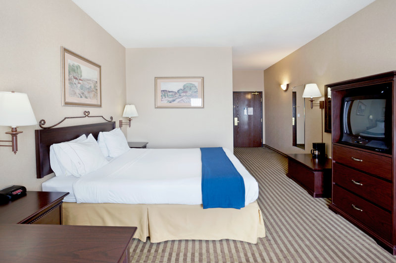Holiday Inn Express & Suites MARINA - STATE BEACH AREA - Marina, CA