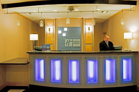 Holiday Inn Express Hotel & Suites Amarillo - Guest Reception