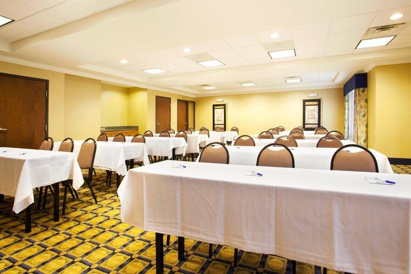 Holiday Inn Express & Suites CHICAGO SOUTH LANSING - Lansing, IL