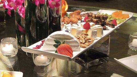 The Magnolia Hotel Dallas - Food