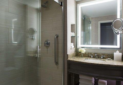 Renaissance Tampa International Plaza Hotel - Executive Guest Bathroom