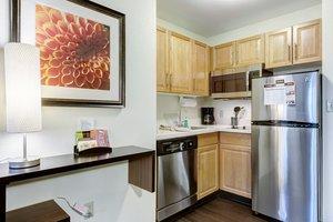 Room - Staybridge Suites O'Fallon