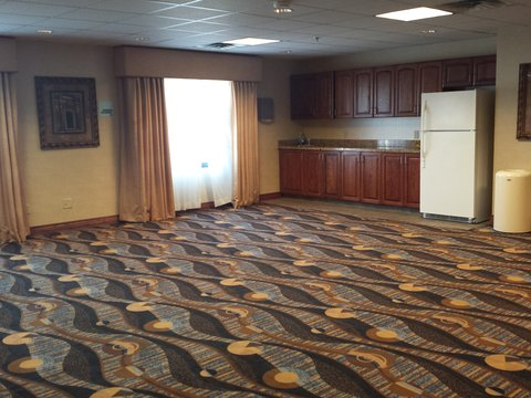 Holiday Inn Express & Suites CONCORDIA US81 - Meeting Room