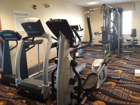 Holiday Inn Express & Suites CONCORDIA US81 - Fitness Center