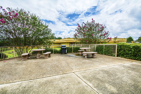 Quality Inn - Picnic area